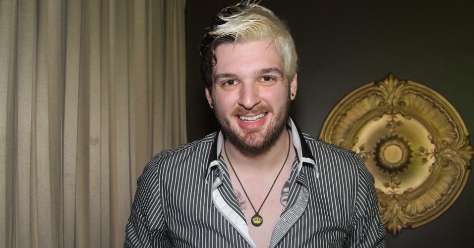 30.jun.2014 - O ex-BBB Cássio no show de Anitta no Club A, na zona sul de São Paulo, na noite desta segunda-feira
