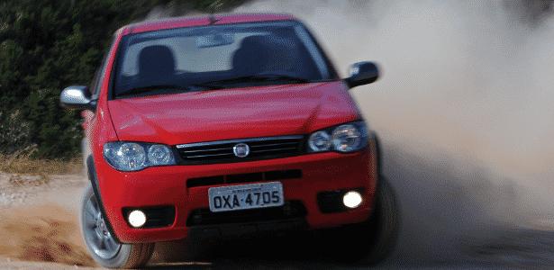 Fiat Palio Fire Way 1.0 Flex 2015 4 Portas - Murilo Góes/UOL - Murilo Góes/UOL