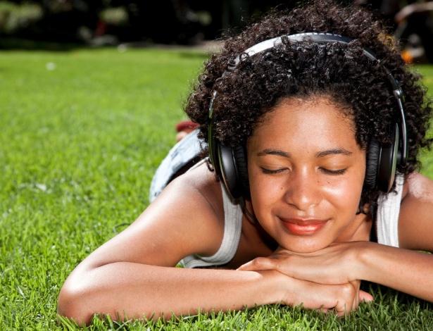 Emoções positivas são despertadas sempre que ouvimos músicas das quais gostamos - Getty Images