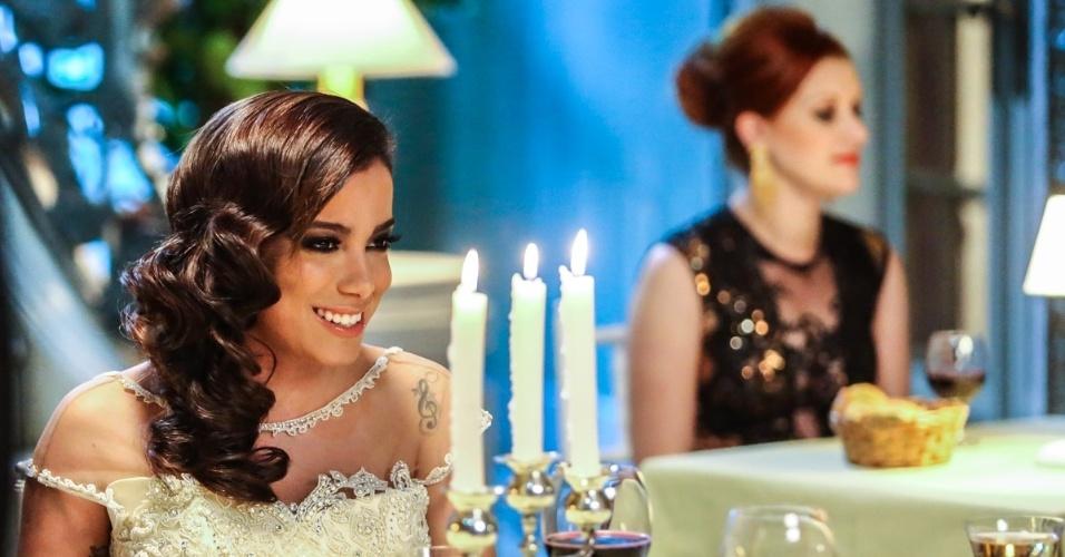 1.jul.2014 -  Anitta aparecerá com quatro looks diferentes em seu novo clipe, ?Na Batida?, que será lançado no fim de julho