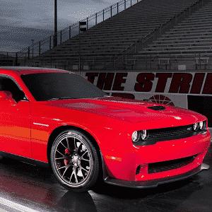 Dodge Challenger SRT Hellcat - Divulgação