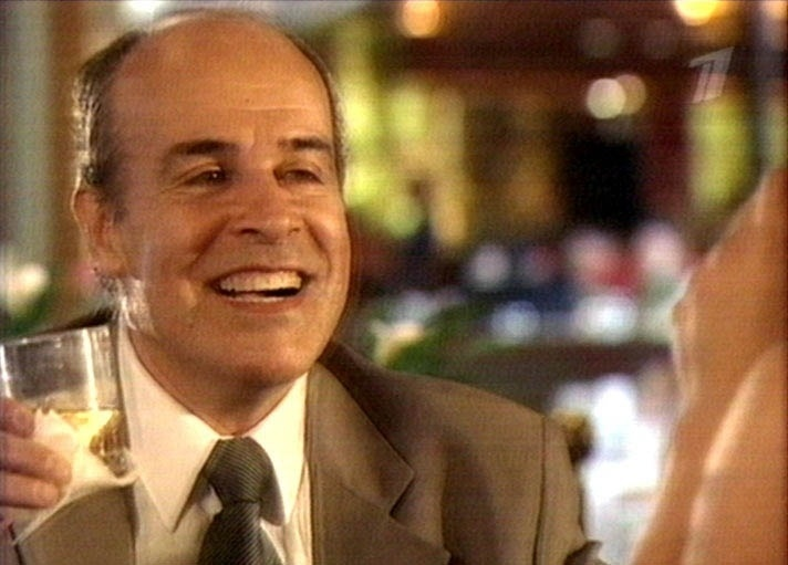 """Em 2001, Osmar Prado deu vida ao advogado Lobato na novela """"O Clone"""", de Glória Perez. Lobato é um advogado de classe média, ex-usuário de drogas, que luta para ficar longe do álcool e da cocaína"""