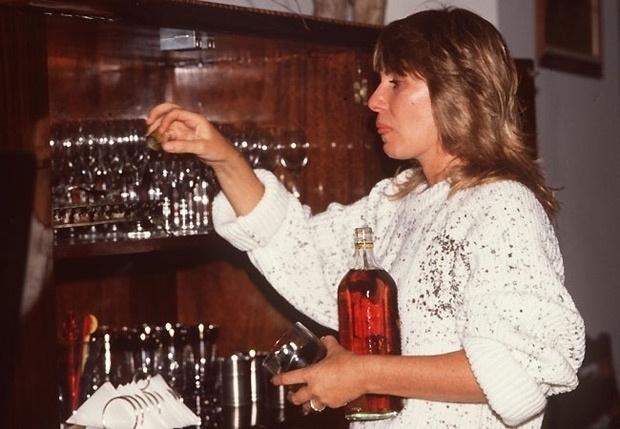 """Heleninha Roitman (Renata Sorrah) era a pintora frustrada da novela """"Vale Tudo"""" (1988). Não se conformava com a separação e tinha péssima relação com a mãe, a malvada Odete. Armava grandes barracos e dizia poucas e boas a todos à sua volta"""