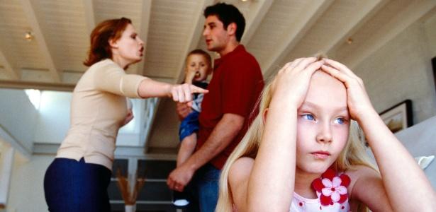 Quando os pais brigam, os filhos vivenciam um sentimento de ameaça - Getty Images