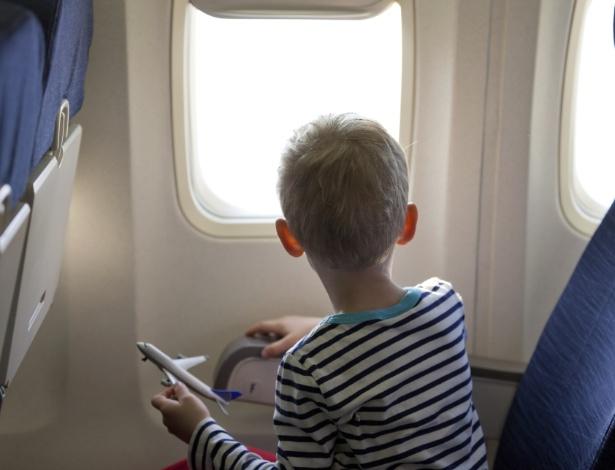 Menores de 12 anos desacompanhados precisam de autorização dos pais ou responsável legal para viajar - Getty Images