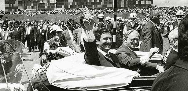 Collor e Itamar Franco chegam de Rolls-Royce à posse, em 1990: - Mila Petrilo/Folhapress - 15.03.1990 - Mila Petrilo/Folhapress - 15.03.1990