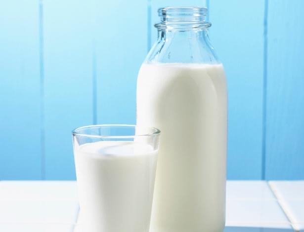 leite - copo de leite - copo e garrafa de leite