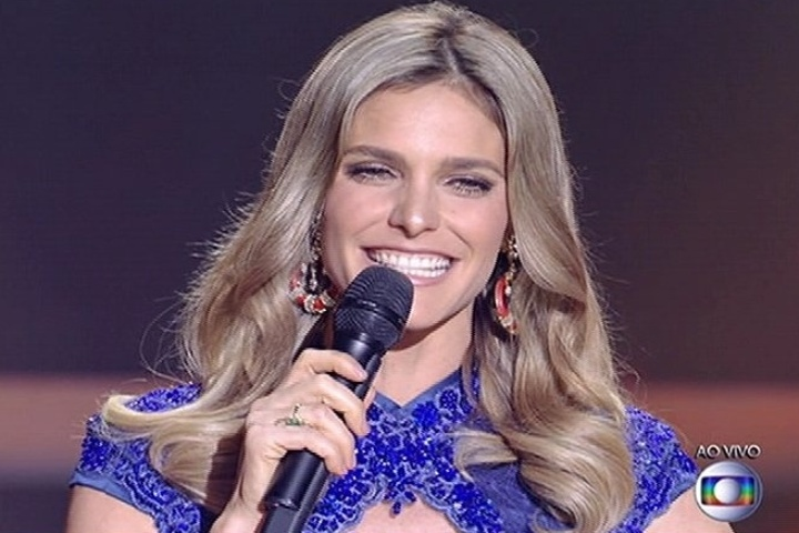 "6.jul.2014 - A apresentadora Fernanda Lima comanda a final do programa ""SuperStar"""