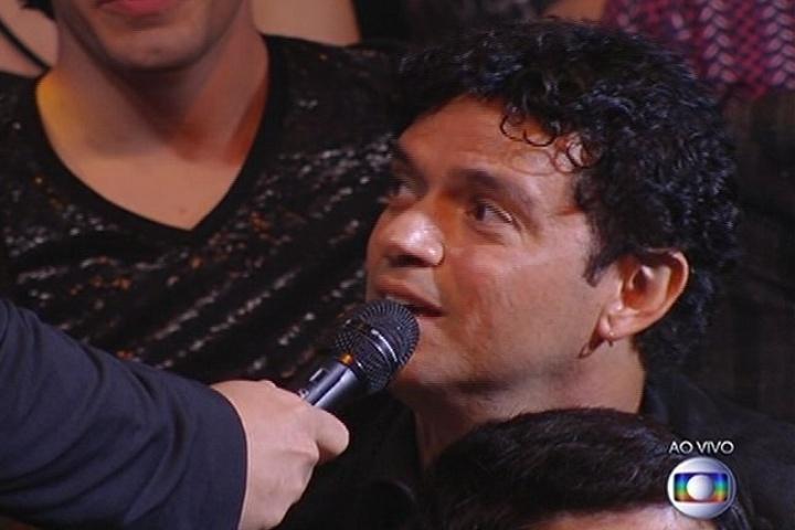 """6.jul.2014 - O cantor Jorge Vercilo diz que torce pela """"boa música"""" no """"SuperStar"""""""