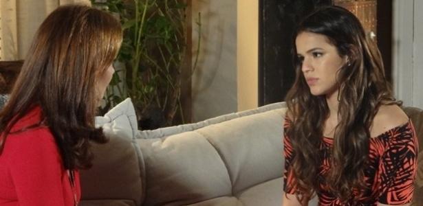 """""""Em Família"""": Luiza confidencia a Helena que está insegura com casamento"""
