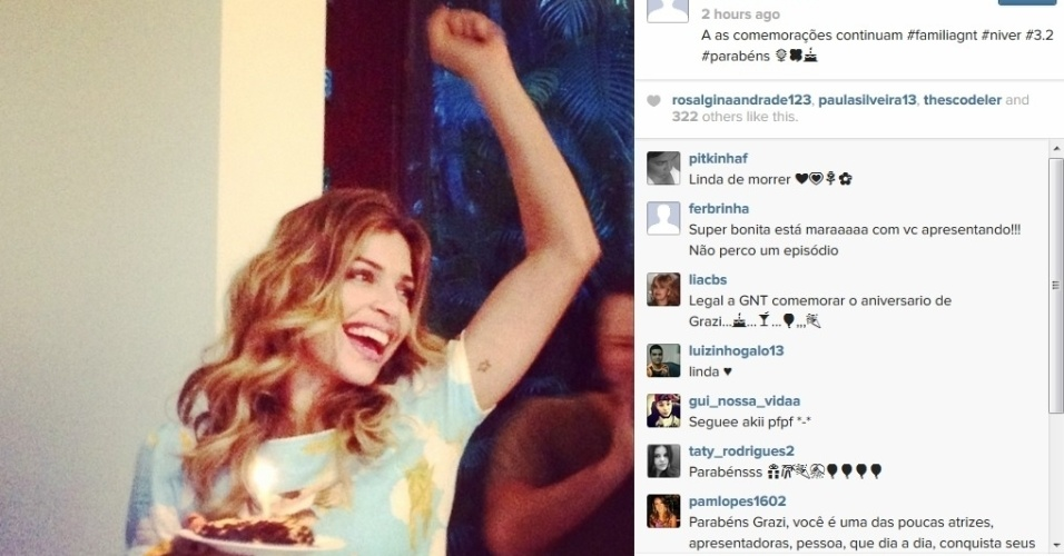 7.jul.2014 - Grazi Massafera ganhou bolo em comemoração ao seu aniversário (no último dia 28 de junho) nos bastidores do programa