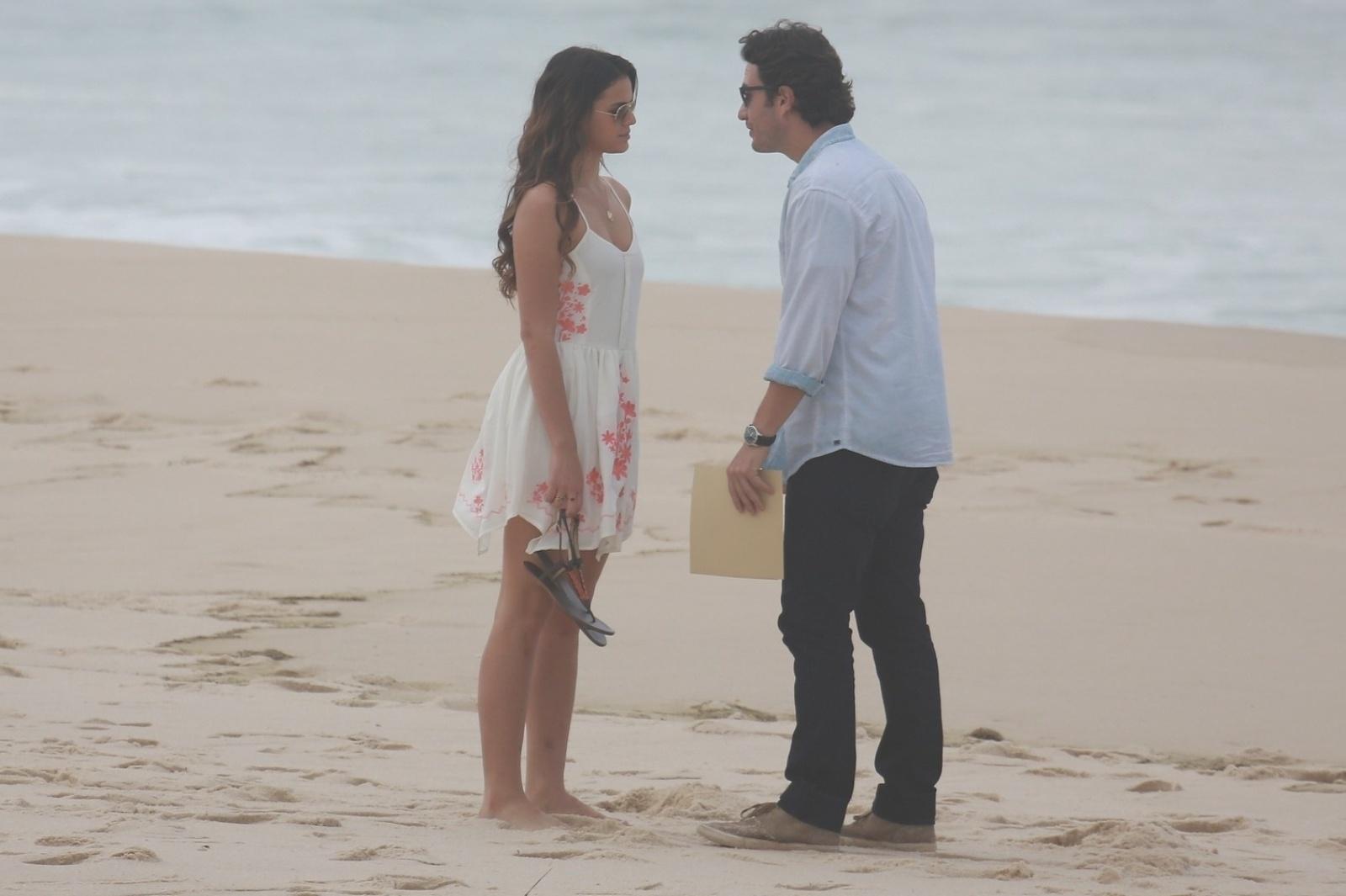 9.jul.2014 - Bruna Marquezine e Gabriel Braga Nunes gravam cenas dos últimos capítulos de