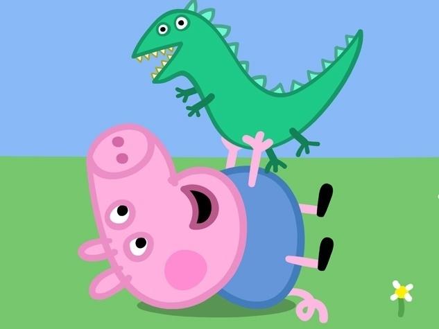 George é o irmãozinho caçula da Peppa. Ele carrega seu dinossauro de brinquedo para todos os lados