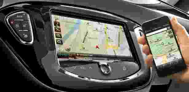 Carro espelha o celular - Divulgação - Divulgação