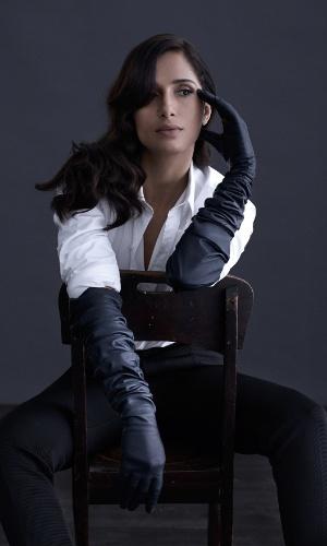"""10.jul.2014 - Camila Pitanga é a estrela da edição de julho da revista """"Joyce Pascowitch"""""""