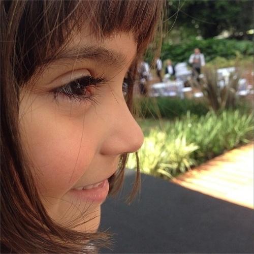 """10.jul.2014 - Chay Suede elogia sua """"filha do meio"""" em """"Império"""""""