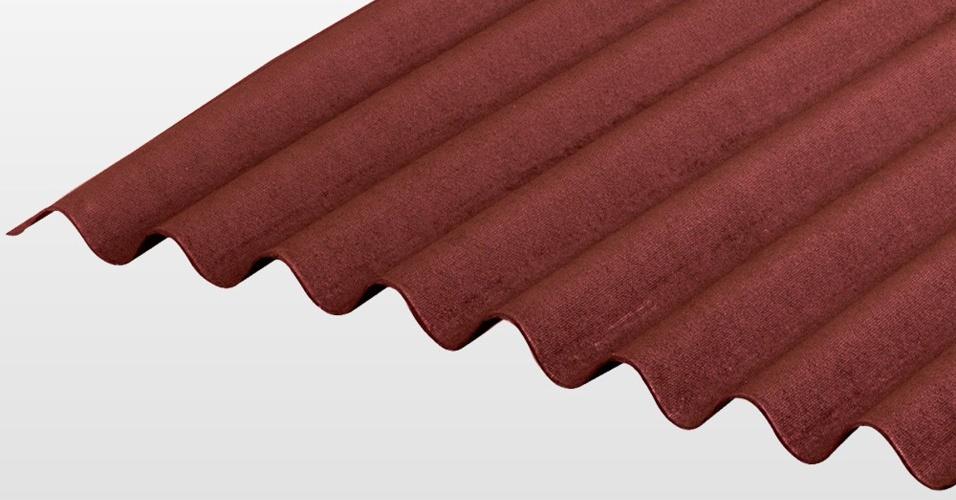 A telha da marca Onduline é feita a partir de fibras vegetais recicladas e pode receber pintura. O produto é vendido na Casa Show (11 4020-9724) por R$ 38,90 (a unidade medindo dois metros por 0,95 m, na cor vermelha) I Preços pesquisados em julho de 2014 e sujeitos a alterações