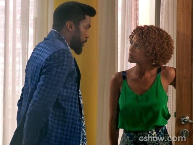 Irritada, Verônica pede para Brian se retirar