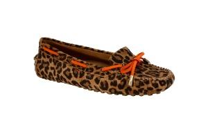 3431654f6 Do oxford à sapatilha, veja como usar sapatos sem salto de forma elegante