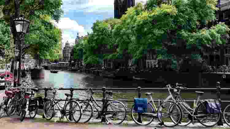 Canal de Amsterdã, na Holanda - Marcel Vincenti/UOL - Marcel Vincenti/UOL