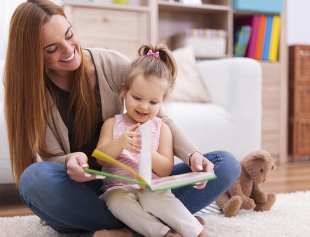 A criança precisa ter contato com as maneiras convencionais de falar para avançar e aprender - Getty Images