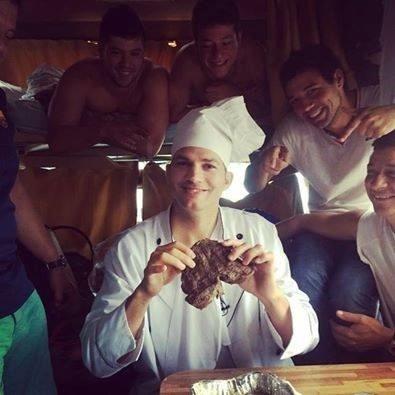 12.jul.2014 - Ashton Kutcher