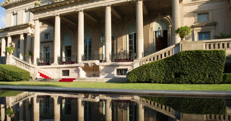 Para compor o cenário da Mansão Mahler, o diretor José Luiz Villamarim escolheu uma locação especial: o palácio Sans Souci, localizado em Buenos Aires, na Argentina