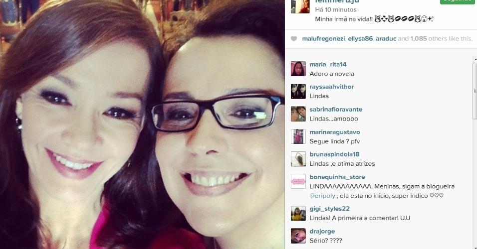 16.jul.2014- Julia Lemmertz posa ao lado de Ana Beatriz Nogueira: