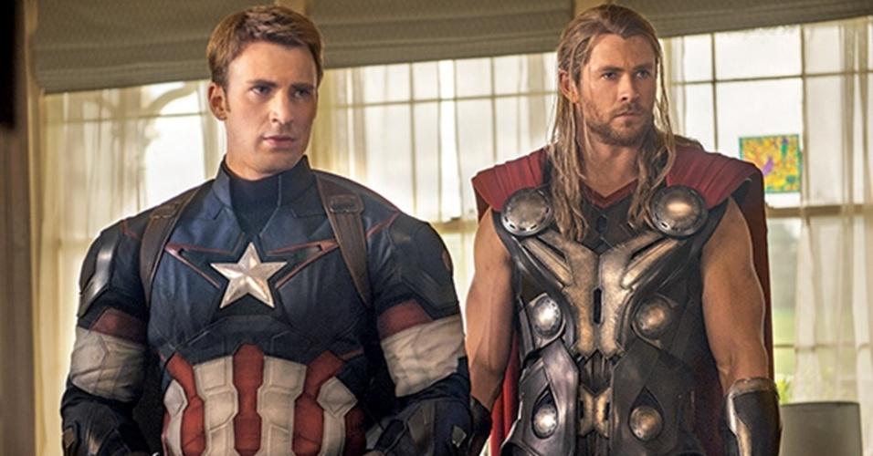 """Chris Evans e Chris Hemsworth como o Capitão América e Thor em """"Os Vingadores 2: A Era de Ultron"""""""