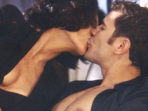 Gilda relembra momento quente ao lado do amante Bruno