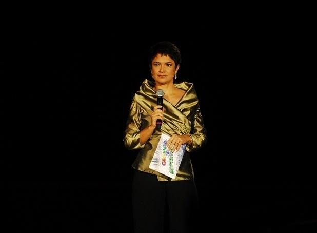 """Sandra Annenberg apresenta o """"Criança Esperança"""" em 2007"""