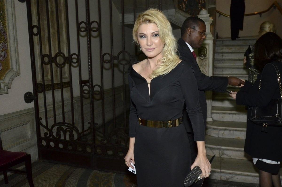 17.jul.2014 - Antonia Fontenelle prestigiou a estreia do músical