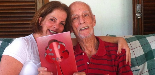 Raquel e o pai, o escritor Rubem Alves, que está internado com infecção pulmonar - Reprodução/Facebook