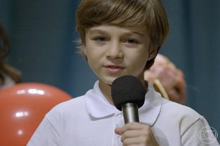 18.jul.2014 - Ivan faz discurso sobre respeito e tolerância na escola