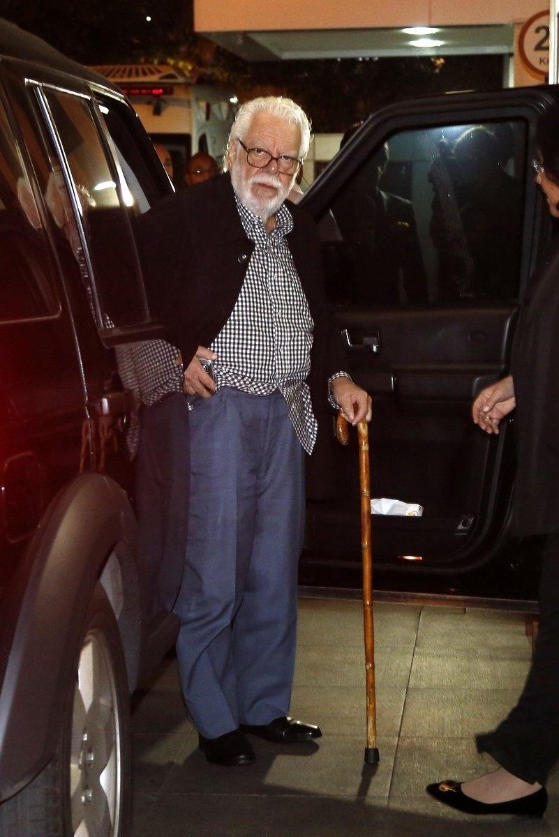 18.jul.2014 - Manoel Carlos chega para assistir o último capítulo de