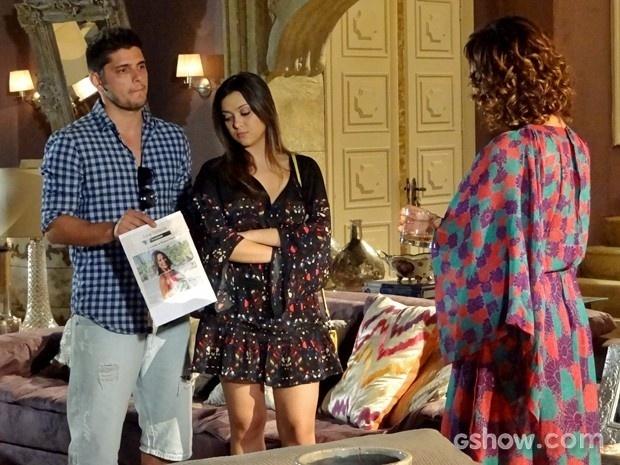 André encara Branca com Bárbara