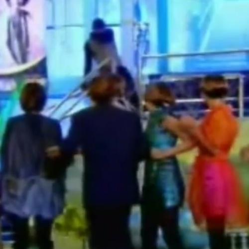 """Estevão (Henri Castelli) morre durante desfile de moda em """"Cobras e Lagartos"""""""