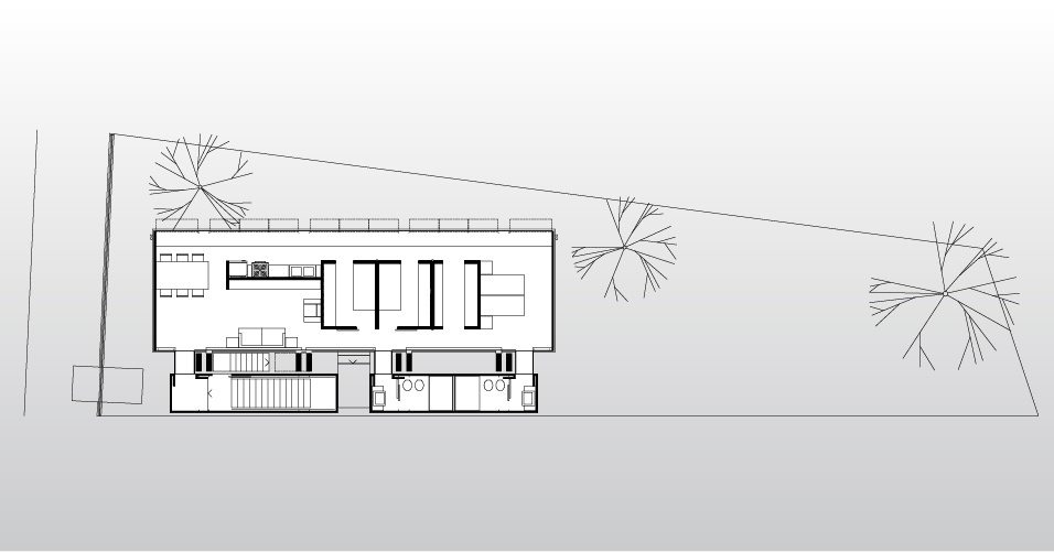 No pavimento em balanço da House in the Air está o corpo principal da casa. Nos blocos de contrapeso ficam as escadas (à esq.) e os banheiros da residência