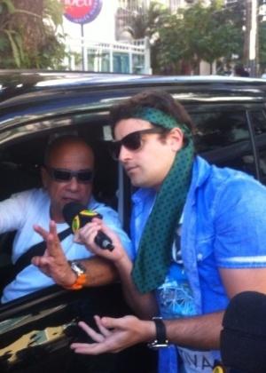 Vesgo reencontra o humorista Cláudio Manoel após episódio polêmico na final da Copa