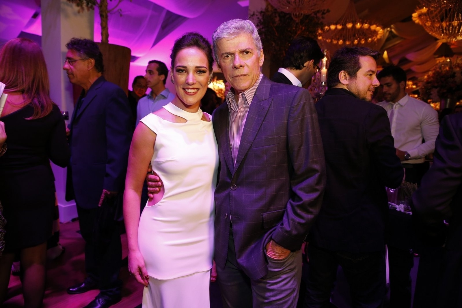 19.jul.2014 - Adriana Birolli e José Mayer prestigiaram a festa de lançamento da novela