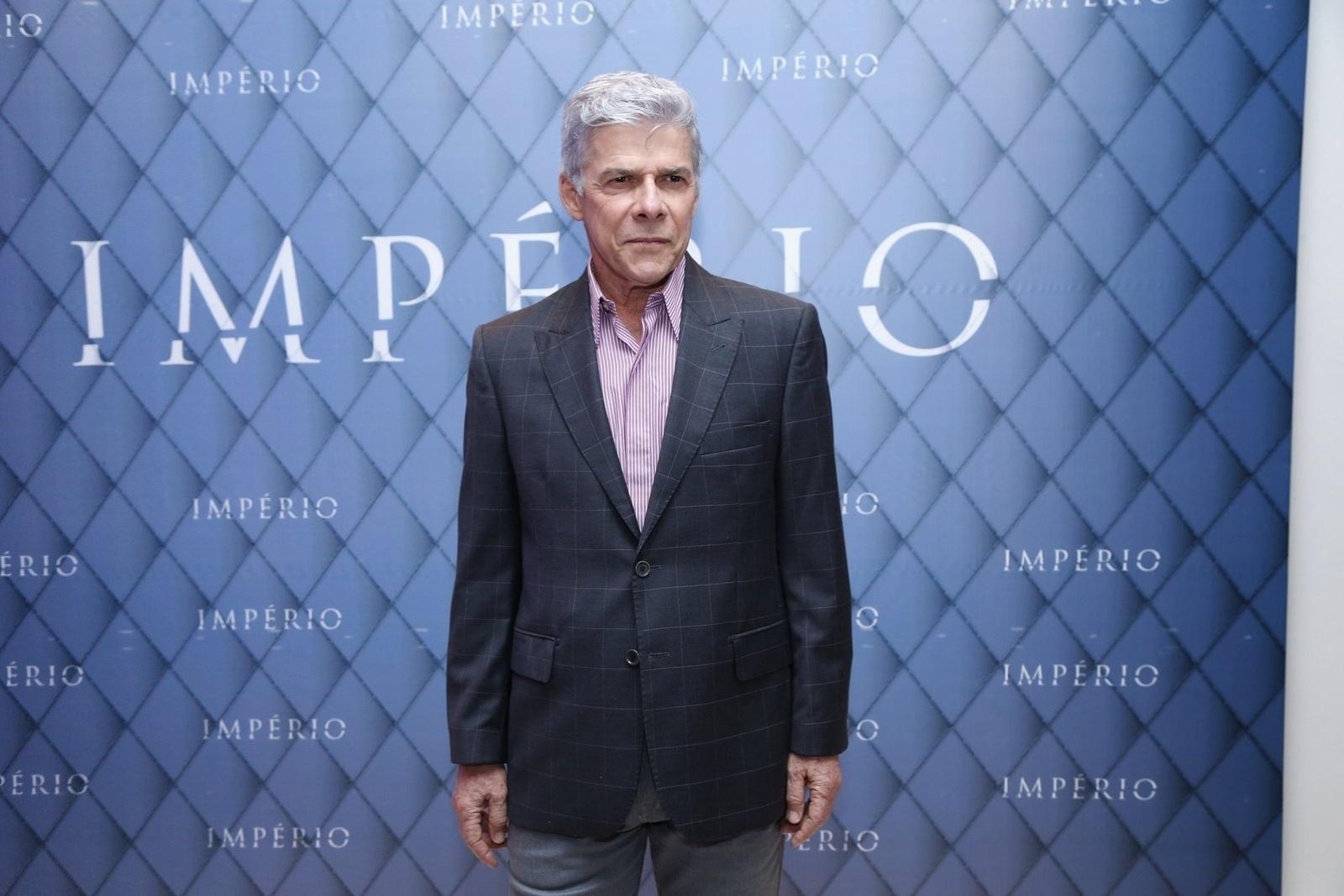 19.jul.2014 - José Mayer prestigiou a festa de lançamento da novela