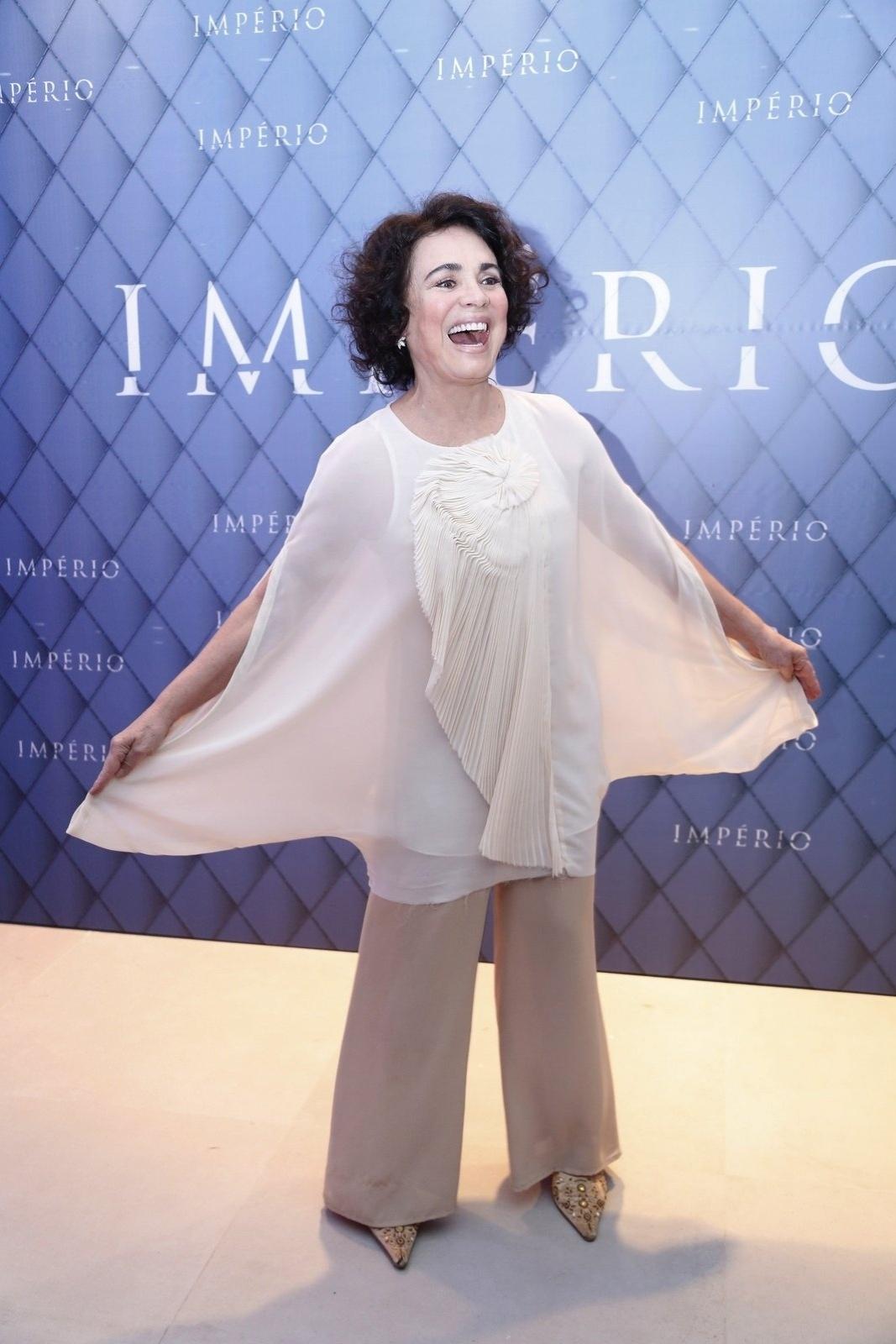 19.jul.2014 - Regina Duarte prestigiou a festa de lançamento da novela