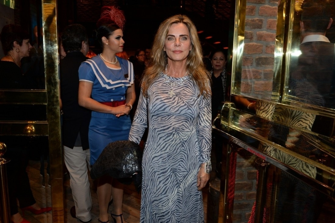 21.jul.2014 - Bruna Lombardi na inauguração do Theatro NET São Paulo, no Shopping Vila Olímpia