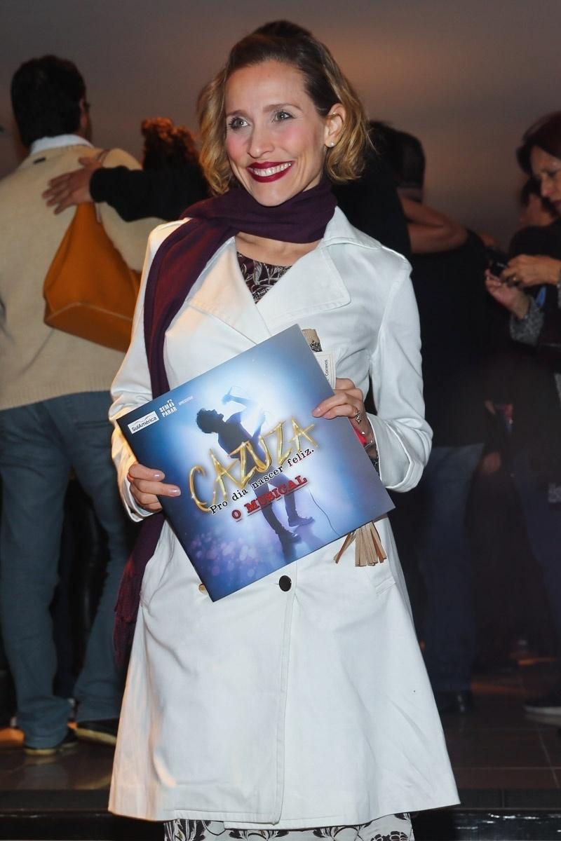 21.jul.2014 - Gabriela Alves prestigiou a sessão especial de