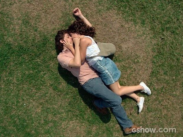 Eliane e Zé Alfredo se entregam ao amor