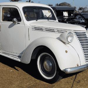 Fiat 1.100 de 1946 de propriedade de Luiz Pixoxó e Anderson Albertini, de Campinas, SP, no 10º Encontro dos Amigos do Carro Antigo de Jaguariúna, SP - Murilo Góes/UOL