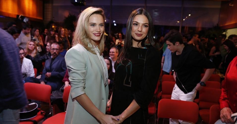 """22.jul.2014 - As personagens de Bianca Bin e Isis Valverde, Vitória e Sandra, são trocadas na maternidade em """"Boogie Oogie"""", que estreia dia 4 na Globo"""