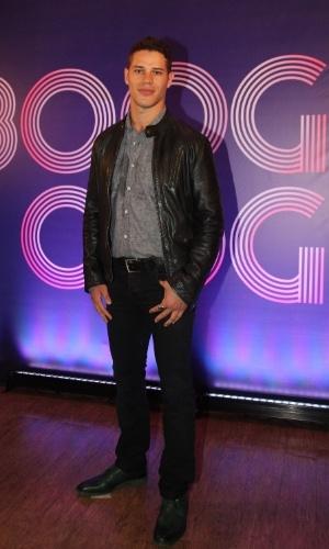 """22.jul.2014 - José Loreto está no elenco da novela """"Boogie Oogie"""", que estreia dia 4 na Globo"""
