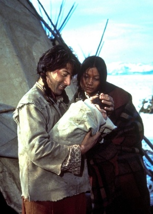"""Dustin Hoffman em cena de """"O Pequeno Grande Homem"""", longa inspirado na obra de Thomas Berger - Reprodução"""