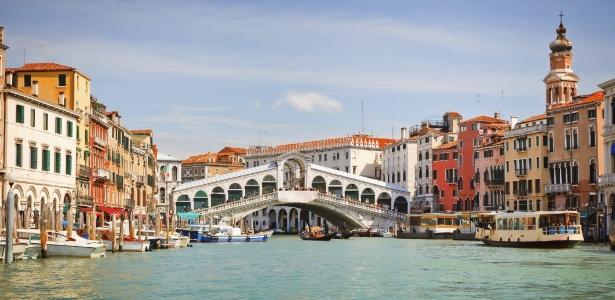 Cidade de Veneza, na Itália, enfrenta problemas com o turismo em massa